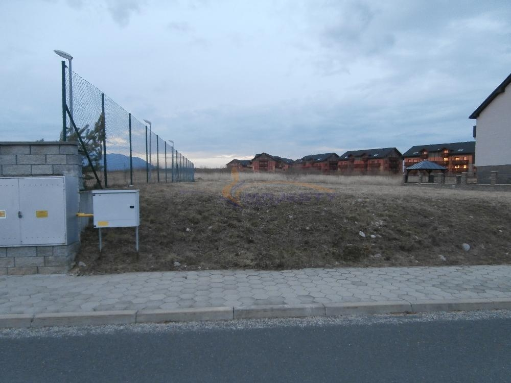 Stavebný pozemok vrátane IS vo Veľkej Lomnici