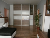 Rekonštruovaný 3-izb. byt s garážou v centre